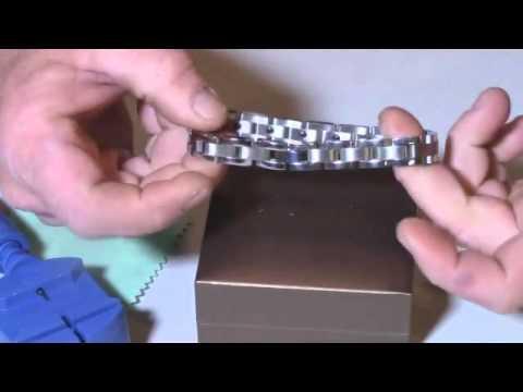 Men Sleek Titanium Steel Magnetic Therapy Bracelet in Velvet Review, Stylish Magnetic Bracelet