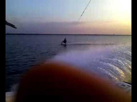 Wakeboard 360 around boat