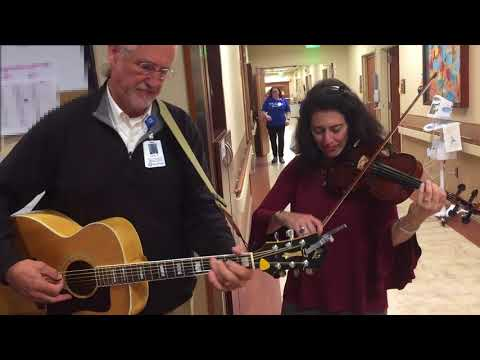 Hospital chaplain uses music to calm patients