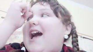 Obézní Slečna Bez Povolení Natáčí Své Spolužáky