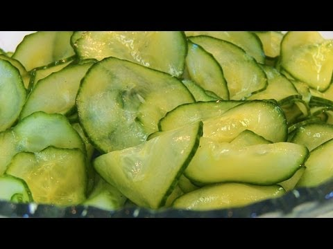 Betty's Old-Fashioned Cucumber Slices