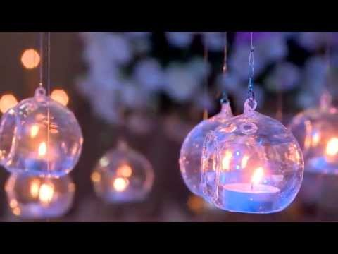 Gorgeous Wedding Decorations: Accent with hanging Glass Candle Holders