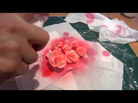 How to Colour Gum Paste Roses Using a Spray Bottle (Part 2 of 3)