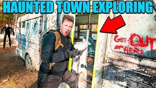 EXPLORING ABANDONED TOWN! (HAUNTED) 😱 We