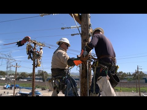 Milestone as First PG&E Linemen Complete New Five-Year Training Program