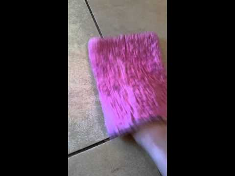 Cleaning kitchen grout with Norwex bath mitt