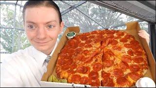 Papa John's NEW Shaq-a-Roni Pizza Review!