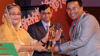 Chandan Sinha  Receiving National award from Prime Minister Sheikh Hasina