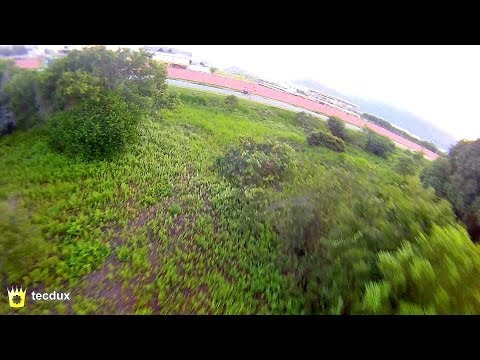 Flying a quad low, fast and between trees