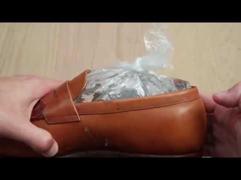 How to widen your leather shoes