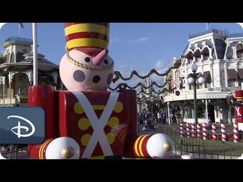 Time-Lapse: Magic Kingdom Park Decorated for the Holidays