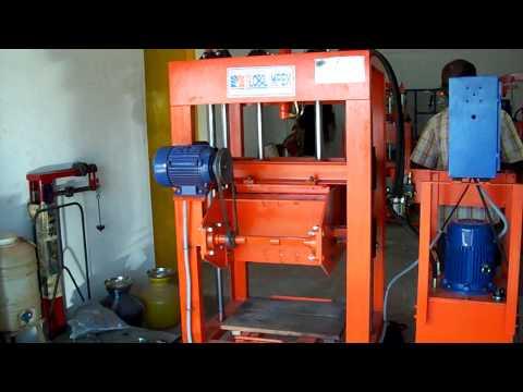Block machine Stationary