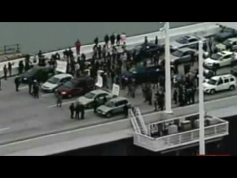 Protesters Shut Down Traffic On San Francisco Bay Bridge!
