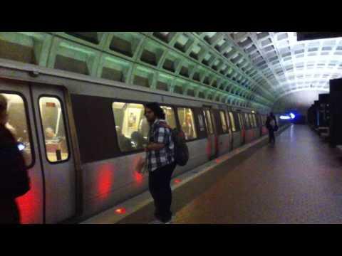 DC Metro (WMATA): Wiehle Reston bound 6 cars Silver Line train at Foggy Bottom - GWU