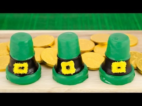 Leprechaun Hat Cupcakes for Saint Patrick's Day by Cookies Cupcakes and Cardio