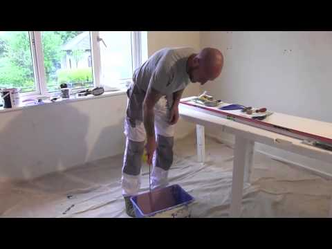 How to roller a wall & paint behind radiator with Dean Taylor decorator