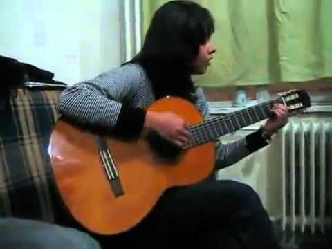 Iranian girl sings about her love for Iran