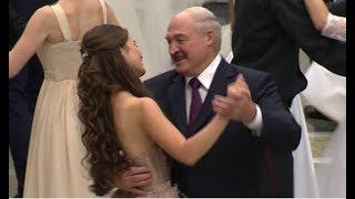 """В Батьки хороший вкус! Новая """"фаворитка"""" Лукашенко затмила красотой весь мир"""