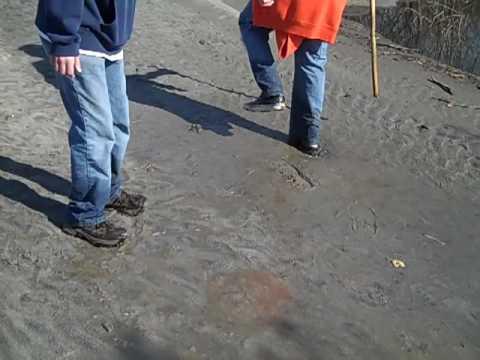 Quicksand Like Cornstarch!