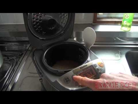 How to Cook Brown Rice in a Rice Cooker