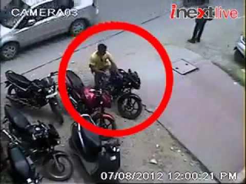 How theif break the bike handle lock