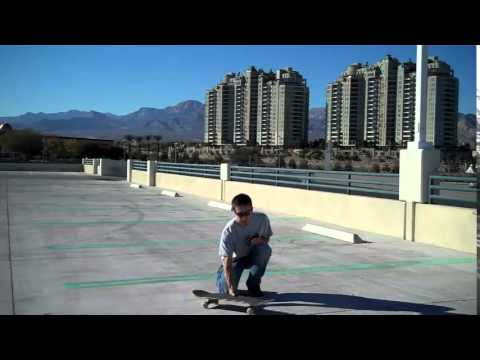How to Turn Easily on a Skateboard