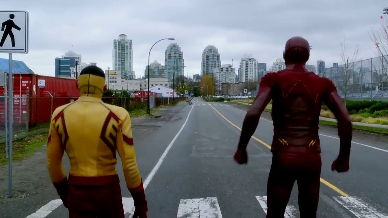 The Flash 3*12 Barry races wally