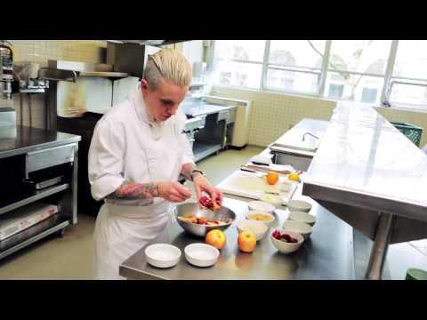 Easy dessert recipe: fresh fruit crisp