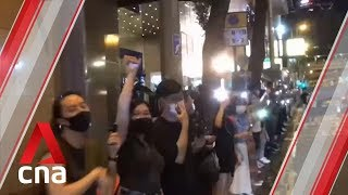 Timelapse: Hong Kong protesters form human chain