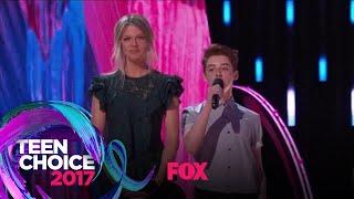 The Cast Of THE MICK Gives Away A Teen Choice Surfboard | TEEN CHOICE