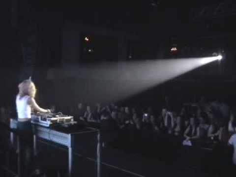 DJ HAVANA BROWN - PUSSYCAT DOLLS SUPPORT 4