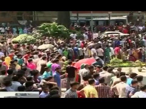 নারায়ণগঞ্জ চলছে  ৩  টাকার ডিম এর মেলা