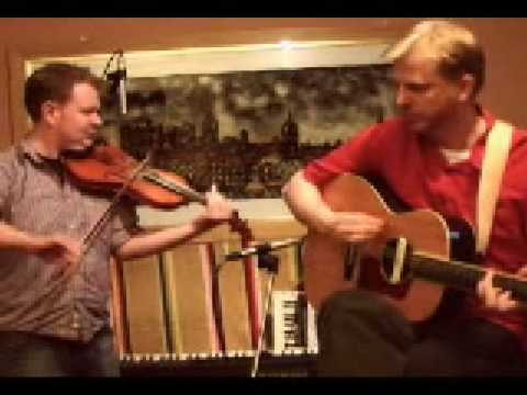 Scottish Fiddle: Alasdair White & Sean O'Donnell of Battlefield Band in the recording studio