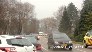 Download 4 personen en 2 lama's gewond bij aanrijding Barneveldsestraat Scherpenzeel 18-12-2012 Video