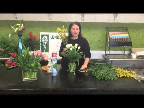 How to make a spring tulip bouquet