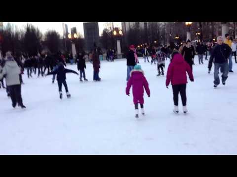 Millenium Park, Chicago - Ice skating