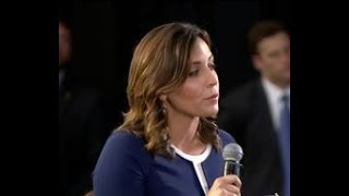 Polish government turns off MSNBC Hallie Jackson microphone