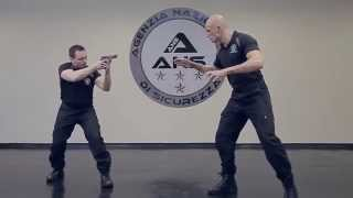 DIFESA PERSONALE - STS - Professional Close Combat Training for Police and Military