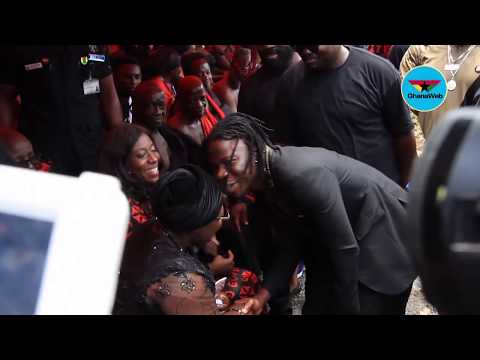 Stonebwoy shows up at Ebony's burial service
