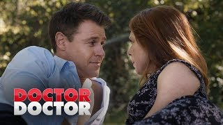 Hugh and Penny are intimate | Doctor Doctor Season 3