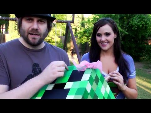 Creeper Head Tutorial - How to Make A Minecraft Creeper Costume