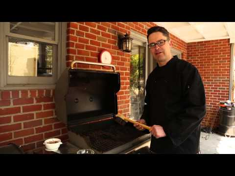 How to Clean the Cooking Surface on a Gas Grill : On the Grill