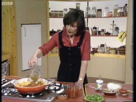 How to cook chicken paprika - Delia Smith - BBC
