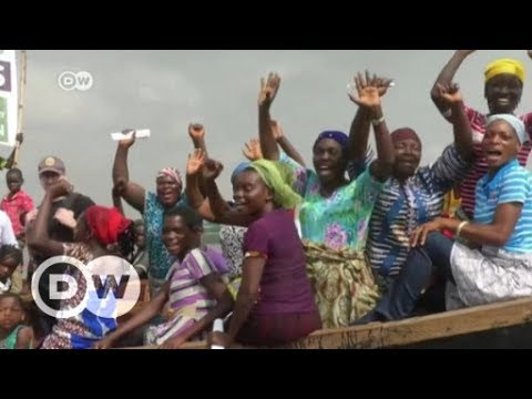 Homeless in Lagos, Nigeria, protest against their fate | DW English