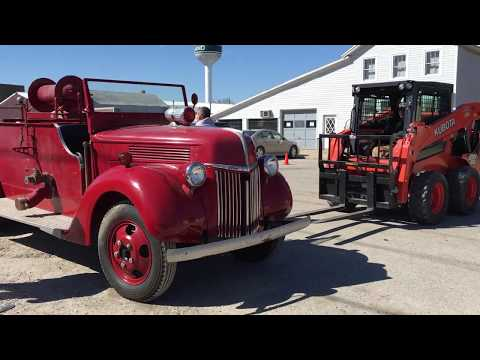 HOW TO UNLOAD A FORD FIRETRUCK WITH 2 KUBOTAS tubalcain