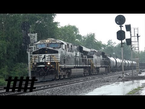 Heavy Rain NS Railfanning at CP Hunt PT 202.4 in Huntingdon, PA with Norfolk Southern Trains