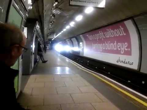 Victoria Line Ride: Euston to Oxford Circus (2009 stock)