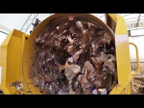 Vermeer Trommel Screen sorting contaminants from green waste