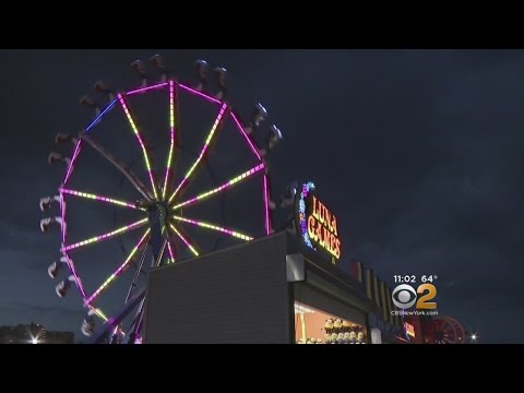Coney Island Attracts Memorial Day Weekend Crowds