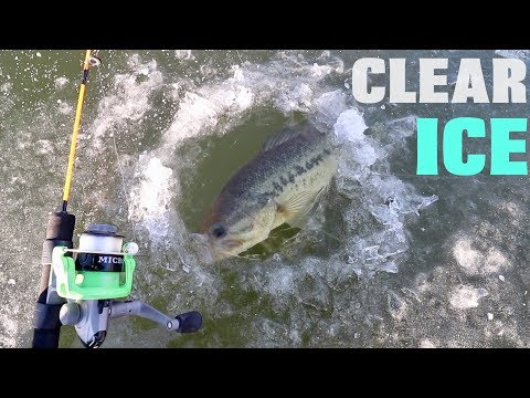 Fishing on CLEAR ICE -- FIRST Fish of 2018!!! (3 Degrees FREEZING)